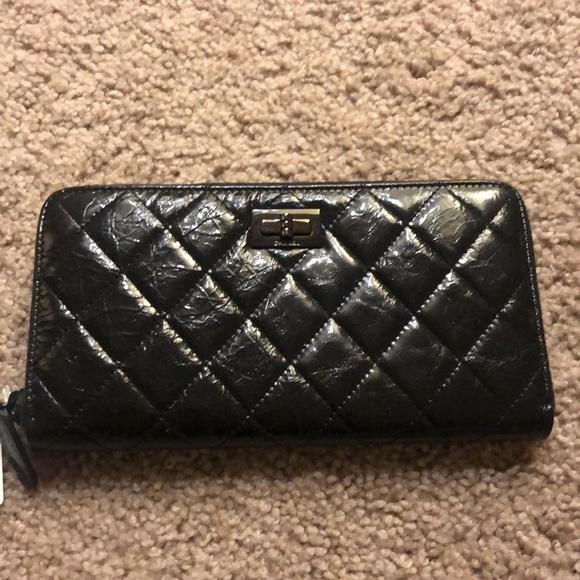 92d7a8637a7b CHANEL Bags | L Gusset Zip Wallet | Poshmark